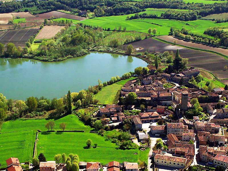 Borgo di Castellaro Lagusello