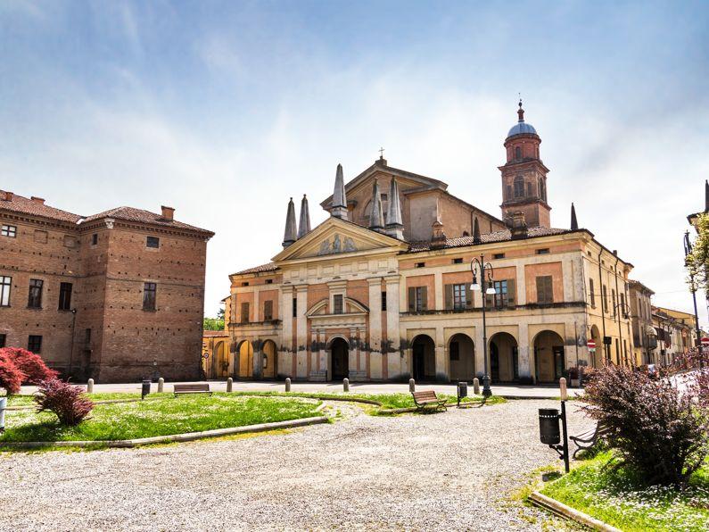 Borgo di Gualtieri